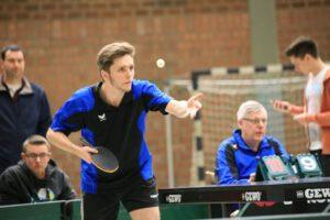 Matthias Bauer gewann gegen Adelsdorf beide Einzel und schaffte mit Winkelhaid den Klassenerhalt